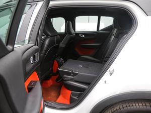 2019款T5 四驱运动 日暮水晶白限定版 后排座椅放倒