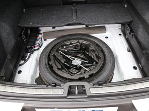 2019款T5 四驱运动 日暮水晶白限定版 备胎