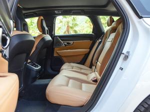 2017款2.0T T5 AWD 智尊版 后排空间
