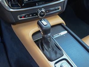 2017款2.0T T5 AWD 智尊版 变速挡杆
