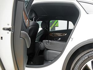 2018款GLC 260 4MATIC 轿跑SUV 后排座椅放倒
