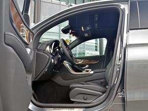 2018款GLC 260 4MATIC 轿跑SUV 前排空间