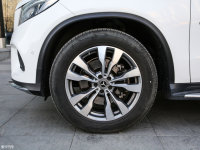 细节外观奔驰GLE 轿跑SUV轮胎