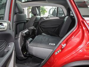 2018款GLE 320 4MATIC 后排座椅放倒