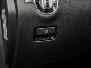 2018款GLE 320 4MATIC 驻车制动器