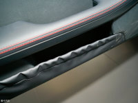 空间座椅奔驰SLC车门储物空间