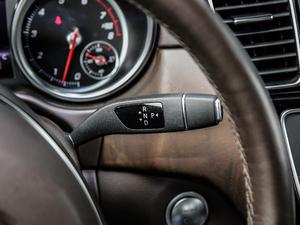 2018款GLE 320 4MATIC 豪华型臻藏版 变速挡杆