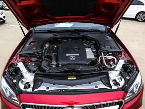 2018款E 300 Coupe 发动机