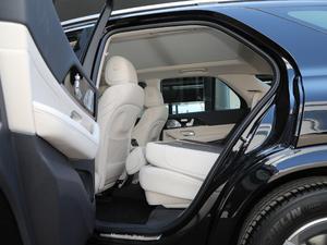 2020款GLE 350 4MATIC 豪华型 后排座椅放倒