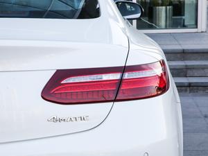 2019款E 200 Coupe 4MATIC 尾灯