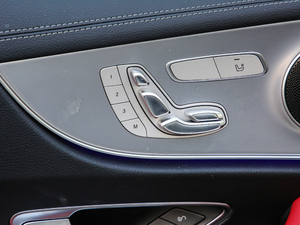 2019款E 200 Coupe 4MATIC 座椅调节