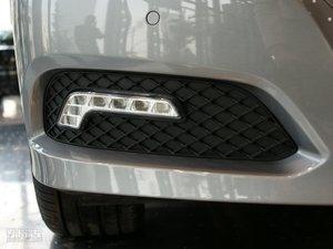 2010款E 260 CGI时尚版 雾灯