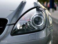 细节外观奔驰SLK级AMG头灯