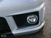 细节外观奔驰SLK级AMG雾灯