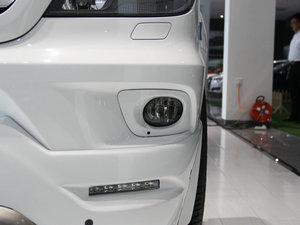 2013款3.0L 房车 雾灯
