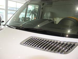 2013款3.0L 房车 雨刷