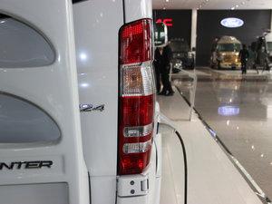 2013款3.0L 房车 尾灯