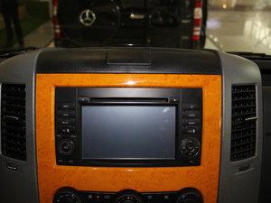2013款3.0L 房车 中控台显示屏