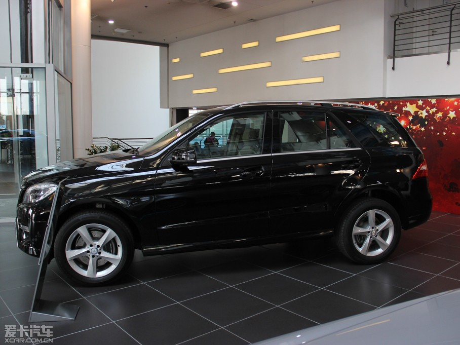 2014款ML 320 4MATIC 纯侧
