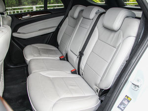 2014款ML 400 4MATIC 豪华型 后排座椅