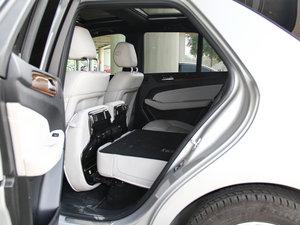 2014款ML 400 4MATIC 豪华型 后排座椅放倒