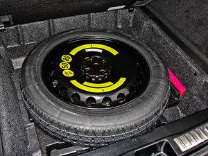 2014款ML 400 4MATIC 豪华型 备胎