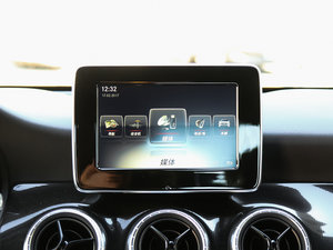 2017款CLA 180 中控台显示屏