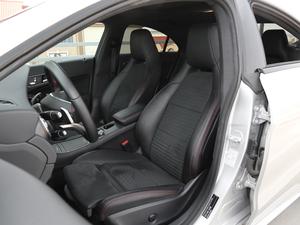 2017款改款 CLA 220 4MATIC 前排座椅