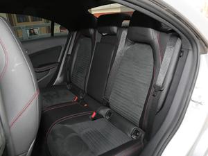 2017款改款 CLA 220 4MATIC 后排座椅