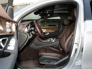 2017款GLC 260 4MATIC 轿跑SUV 前排空间
