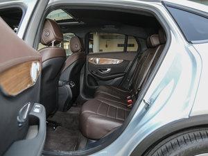 2017款GLC 260 4MATIC 轿跑SUV 后排空间