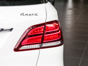 2017款GLE 400 4MATIC 尾灯