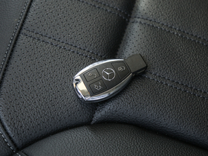 2017款GLE 400 4MATIC 钥匙