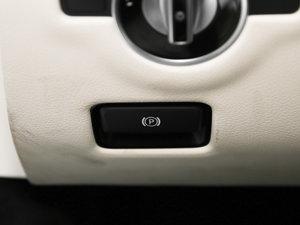 2017款SL 400 驻车制动器