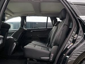 2017款R 320 4MATIC 商务型臻藏版 后排空间
