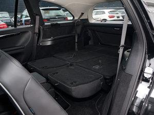 2017款R 320 4MATIC 商务型臻藏版 后排座椅放倒