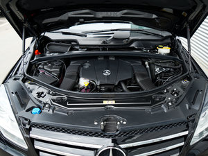 2017款R 320 4MATIC 商务型臻藏版 发动机