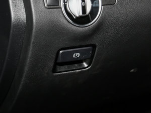 2017款GLE 320 4MATIC 驻车制动器