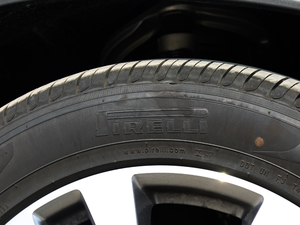 2017款GLE 400 4MATIC 轮胎品牌