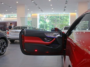 2017款E200 Coupe 4MATIC 驾驶位车门