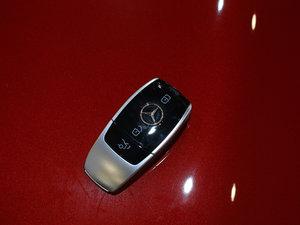 2017款E200 Coupe 4MATIC 钥匙