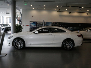 2017款S 400 Coupe 4MATIC 纯侧