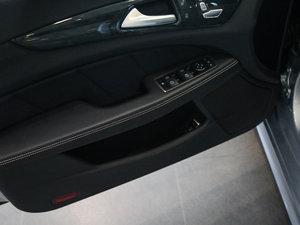 2017款CLS 400 4MATIC 逸彩版 车门储物空间
