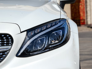 2017款C 200 4MATIC 轿跑车 头灯