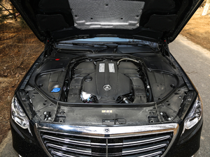 2018款S 450 L 发动机