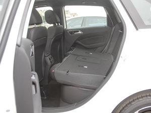 2017款B 200 动感型 后排座椅放倒