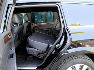 2018款改款 GLS 400 4MATIC 动感型 后排座椅放倒
