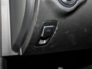 2018款C 300 驻车制动器