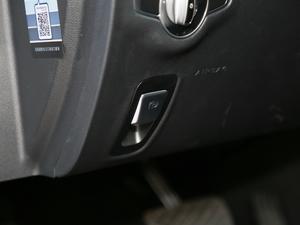 2019款E 300 运动版 驻车制动器