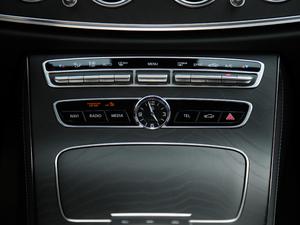 2019款E 300 运动版 音响调节